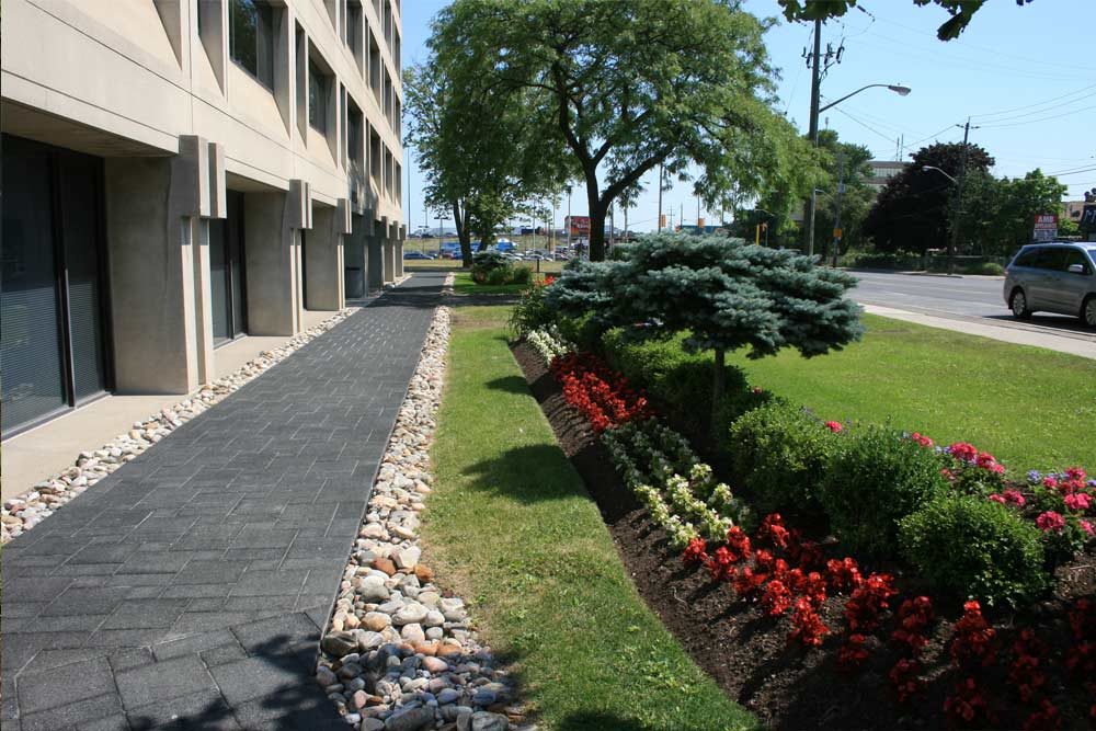 commercial-landscaping-10